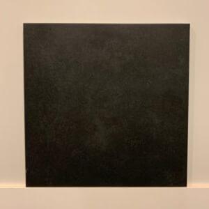 vloer-zwart-mat-tegel-Badkamerstudio-Urk